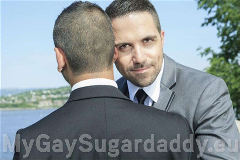 Junge Gays suchen reiche schwule Millionäre