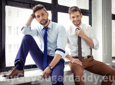 schwule Männer im Anzug