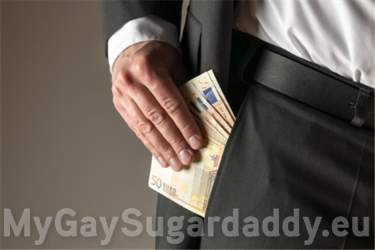 Sugar Daddy bietet großzügiges Taschengeld